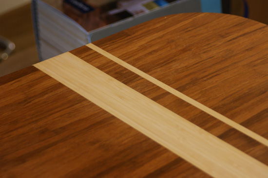 tafel_asymmetrisch_bamboe_ingelegd