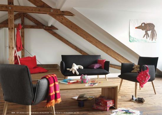 Soft uni bank en lage stoel , met armleuningen (kan ook zonder).